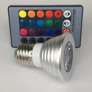 E27 3W dimbaar RGB zij