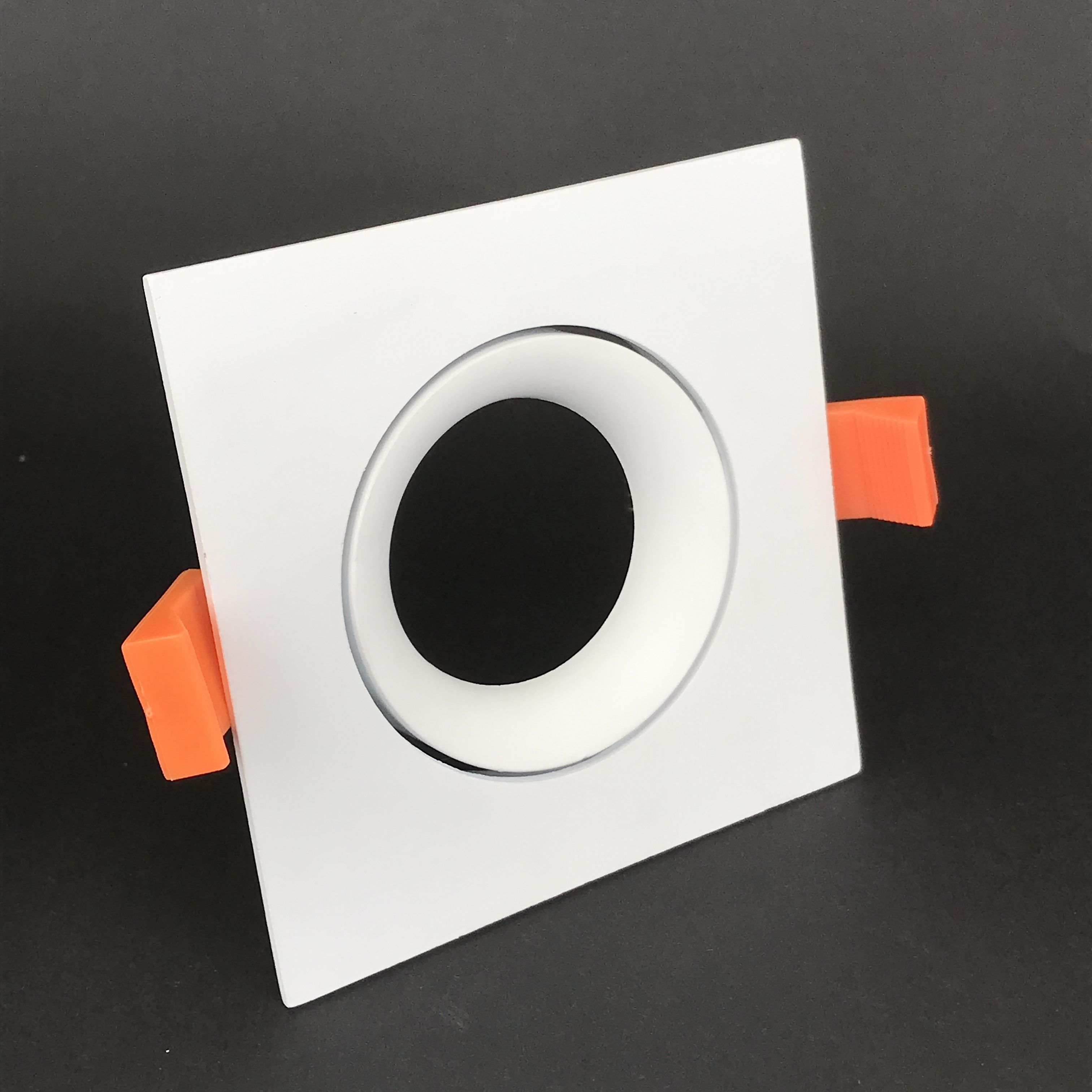 Inbouwring 95mm vierkant wit